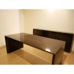 東京のオーダー家具ユウキが作った鏡面塗装ワークデスク