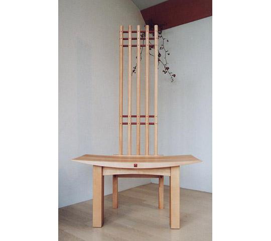 クルミ無垢材の飾り椅子_1