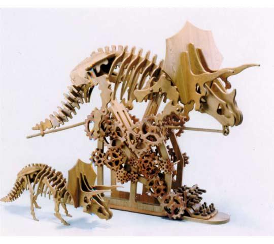 東京のオーダー家具屋の作る動く恐竜