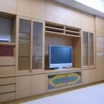 東京のオーダー家具ユウキが作ったコレクションを取り入れた壁面収納