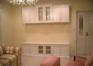壁面収納 クラシカルデザインの白塗装家具(S-053)