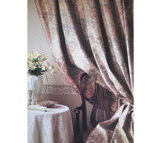 ヨーロピアンタイプのカーテン01