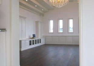 シンプルな色・白の魅力を表現したかった室内です。