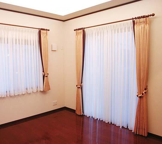 モダンタイプのカーテン05
