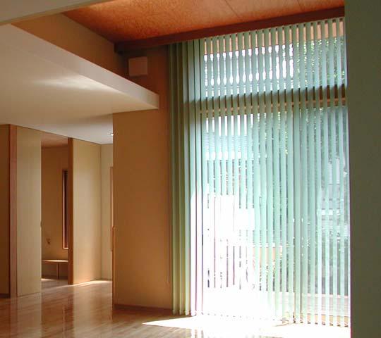 スクリーン・シェードタイプのカーテン01