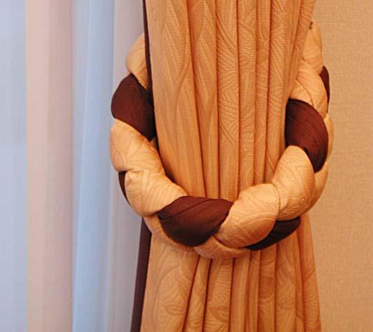 オーダータッセルのあるカーテン02